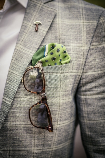 lapelpin and pocket square